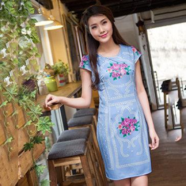 Đầm Hoa Hồng Phong Cách Versace