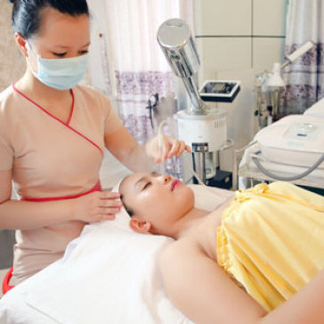 Trị Mụn Tận Gốc Bằng Máy Ánh Sáng Light Treatment + Thuốc...