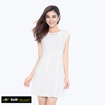 Đầm Cổ Tròn Đính Khuyên Cổ 21001 TH Sơn Nguyễn