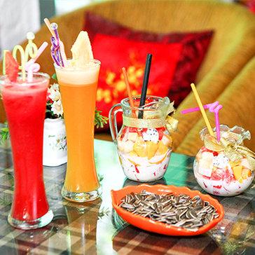 02 Đồ Uống + 02 Hoa Quả Dầm Kèm Đồ Ăn Vặt Tại Garden Coffee