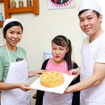 Khóa Học Làm Bánh Bông Lan Trứng Muối Loại 20cm- Khách Mang Sản...