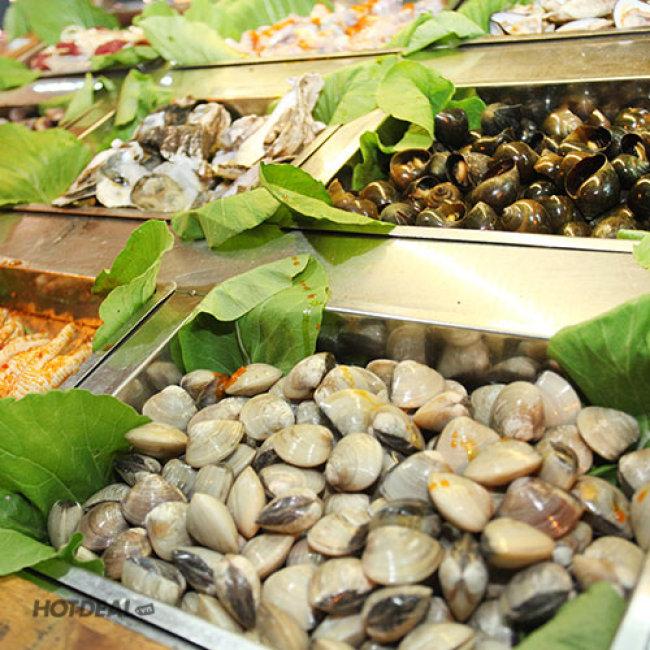 Tiệc Buffet BBQ Buổi Tối Với Các Món Hải Sản, Tôm, Cua, Ốc...
