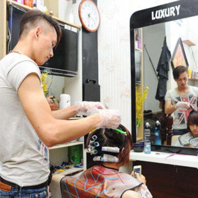 Uốn/ Nhuộm/ Ép/ Phủ Bóng Đẳng Cấp Tại Luxury Hair Salon (Tặng...