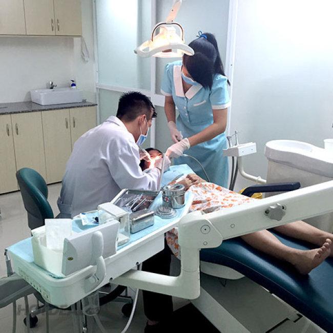 Tẩy Trắng Răng Bằng Đèn Bleach Bright Tại Nha Khoa An Khang