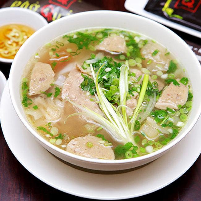 Combo 2 Tô Phở + 2 Ly Nước Ép/ Sinh Tố/ Yagourt/ Cafe Tại Phở Quế...