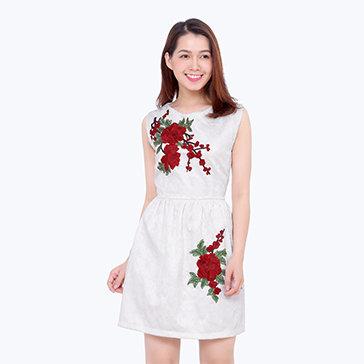 Đầm Xòe Gắn Hoa 3D