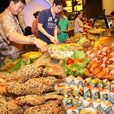 Tiệc Buffet BBQ Ngoài Trời Hơn 40 Món, Ngắm Hồ Bán Nguyệt Lung Linh Về Đêm Tại Wabar SG