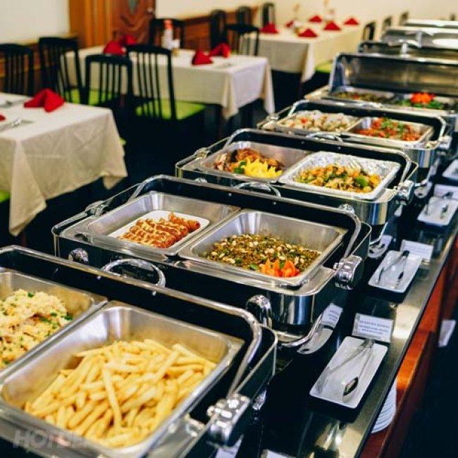 Buffet Trưa Với 70 Món Á, Âu, Việt Và Hải Sản Nướng – NH...