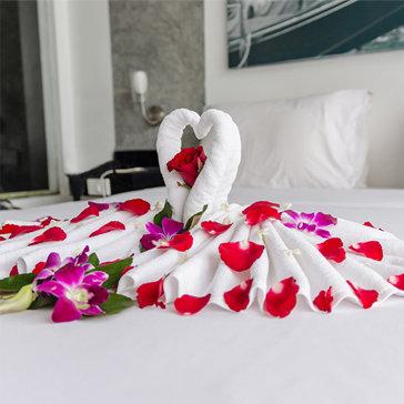Tour Honey Moon Gold Hotel 3N2Đ Đà Nẵng - Tham Quan Bà Nà Hills - Cầu Tình Yêu - Bán Đảo Sơn Trà - Cho 01 Người