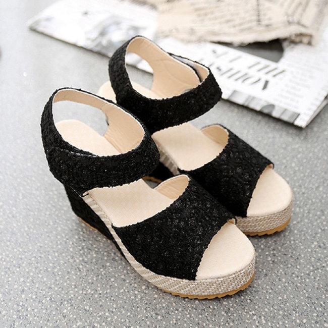 Giày Sandal Đế Xuồng Phối Ren Thời Trang