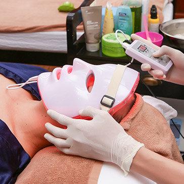 MW Luxury Spa - Hấp Trắng Mặt Vitamin C Kết Hợp Collagen Vàng 24k Bằng Ánh Sáng Sinh Học