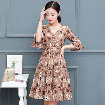 Đầm Cổ V Tay Loe Tila