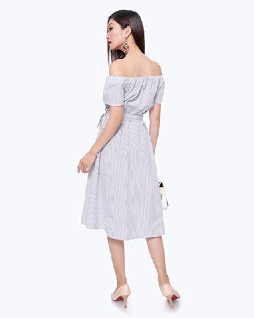 Đầm Kate Sọc Thêu Hoa