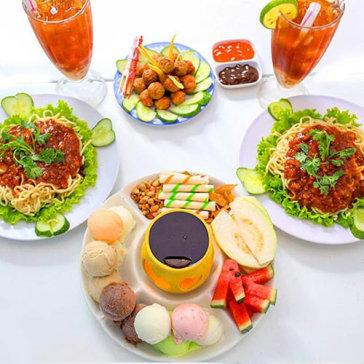 Lẩu Kem + 02 Mì Ý + 01 Dĩa Cá, Bò Viên Chiên + 02 Hồng Trà