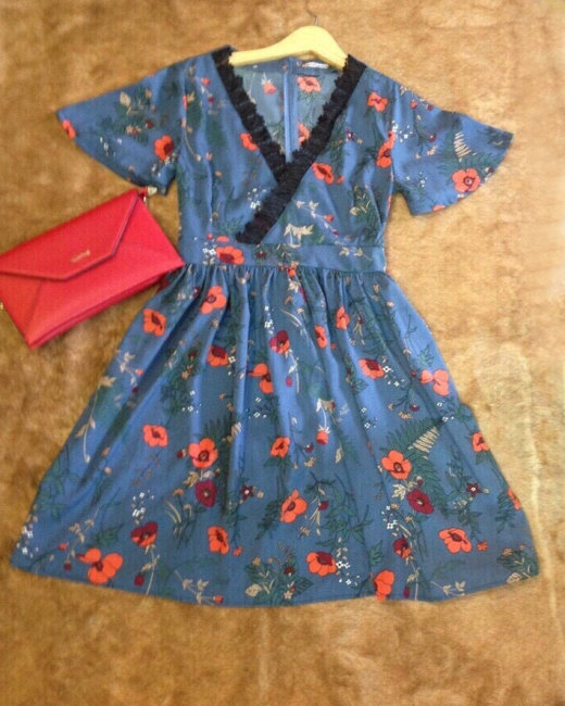 Đầm Hoa Phối Ren Cổ