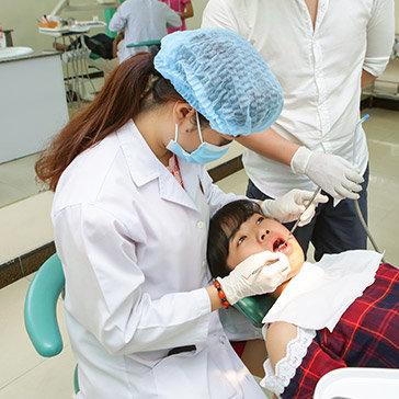 Hệ Thống Nha Khoa Âu Việt - Răng Sứ Titan - Bảo Hành 07 Năm