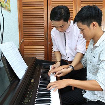 Ưu đãi hè: Khóa Học Nhạc Cụ Guitar/ Ukulele/ Organ/ Piano Tại Trung Tâm Âm Nhạc Giai Điệu Xanh