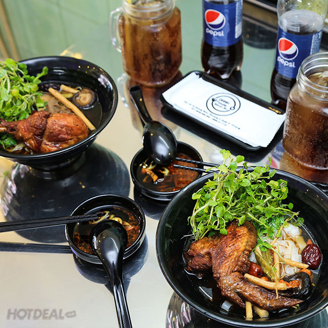 Combo 2 Tô Hủ Tíu Mì Đùi/ Cánh Gà Tiềm Ớt Hiểm + 2 Chai Coca + 2...