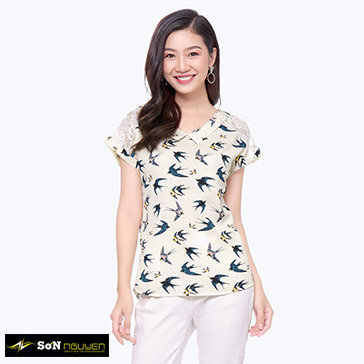 Áo Kiểu Họa Tiết Tay Phối Ren-08901
