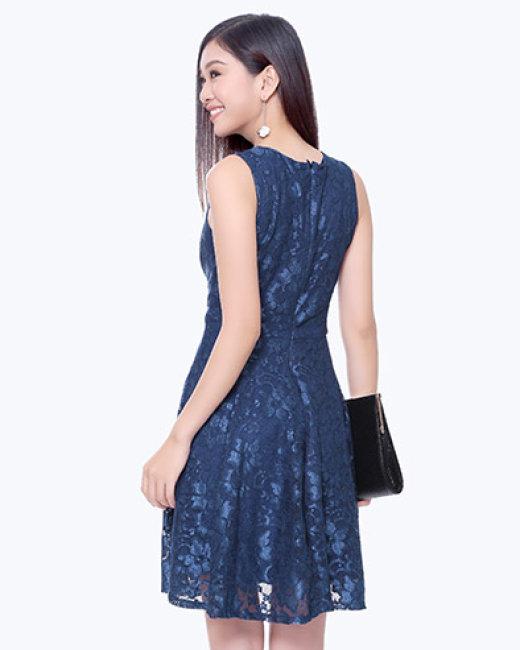 Đầm Ren Cổ V