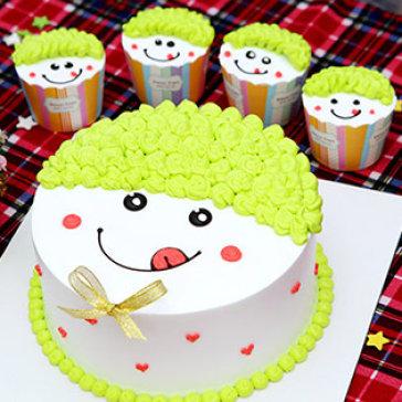 Set 6 Bánh - 1 Bánh Sinh Nhật Kem Sữa Tươi Nhân Mứt Trái Cây (18cm x 7cm) + 5 Bánh Cupcake (6cm x 6cm) Tại Hiệu Bánh Love Cake