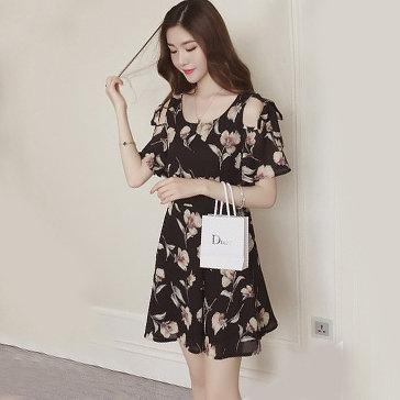 Đầm Xòe Cut-Out Xinh Xắn