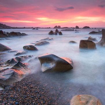 Tour Phan Thiết - Biển Cổ Thạch 2N2Đ Nghỉ KS 2* - Tham Quan Chùa Hang - Bãi Đá 07 Màu - Phan Rí Cửa - Bàu Sen