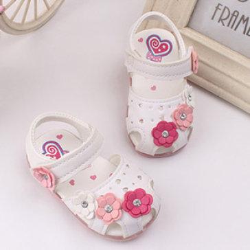 Giày Sandal Fashion Đế Mềm Có Đèn Cho Bé Gái (2 Mẫu)