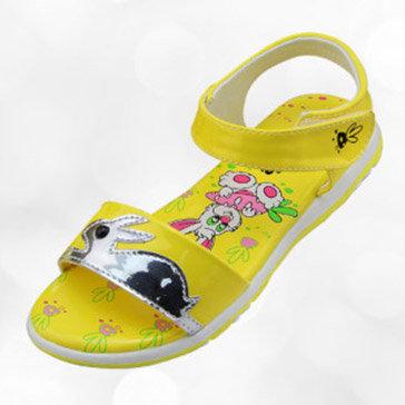 Giày Sandal Bé Gái Bitas SOB.217 Màu Vàng