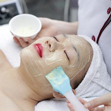 Viện Da Nhật Hàn - Chăm Sóc Da Mặt + Chạy Vitamin C/ Điều Trị Mụn, Thâm/ Hút Chì