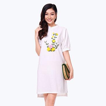 Đầm Suông Cổ V Thêu Ruy Băng