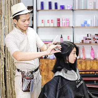 Combo Phục Hồi Tóc Japan Cao Cấp + Cắt, Gội, Tạo Kiểu – Út Hoàng Hair Salon, Quận 01