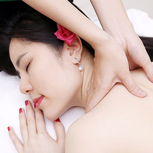 Massage Body Đá Nóng Tinh Dầu Dừa Dược Thảo Thư Giãn Toàn Thân + Tẩy Da Chết Toàn Thân Trắng Sáng + Chăm Sóc Da Mặt (65') – An An Spa