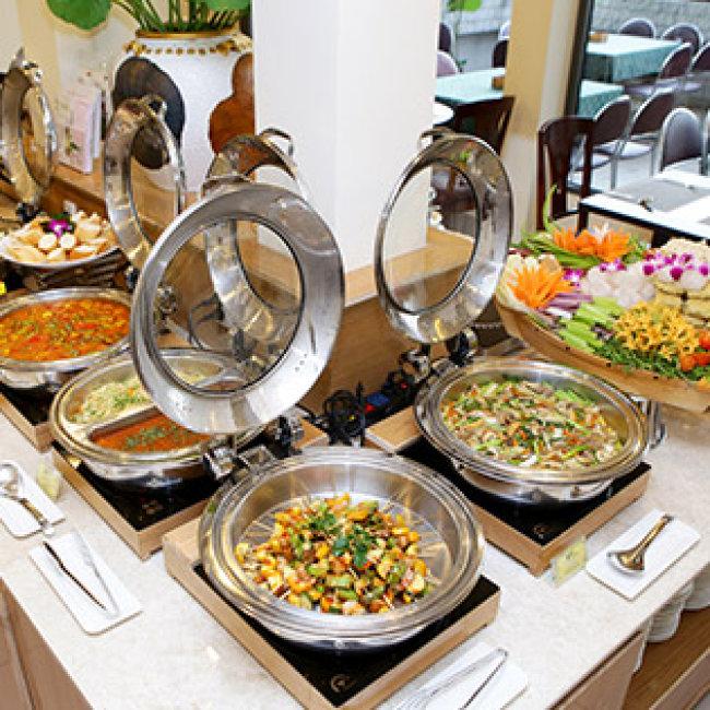 Buffet Chay Buổi Tối Miễn Phí Nước Uống Tại Nhà Hàng Cỏ Nội - Bông Sen Hotel Annex