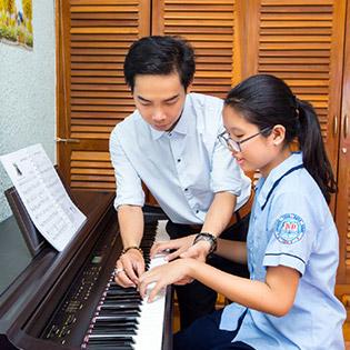 Trọn Gói 03 Tháng Khóa Học Nhạc Cụ Guitar/ Ukulele/ Organ/ Piano / Sáng Tác Tại Trung Tâm Âm Nhạc Giai Điệu Xanh