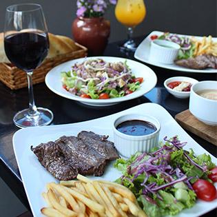 Combo Steak Chuẩn Pháp Giá Hấp Dẫn Tại Thế Giới Steak