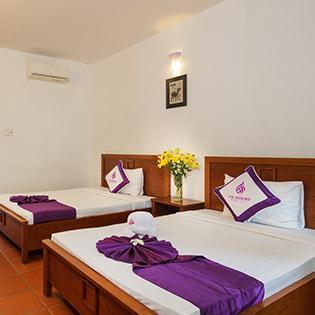 Khách Sạn TTC Premium Kê Gà 4* + Phòng Superior 2N1Đ Dành Cho 2 Khách -  Bao Gồm Ăn Sáng, Trưa & Tối