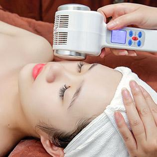 (120') Massage Body + Foot + Hút Chì + Đắp Mặt Nạ/ Chạy Vitamin C + Hút Chì + Phun Oxy Tươi - Ngọc Mai Spa & Beauty