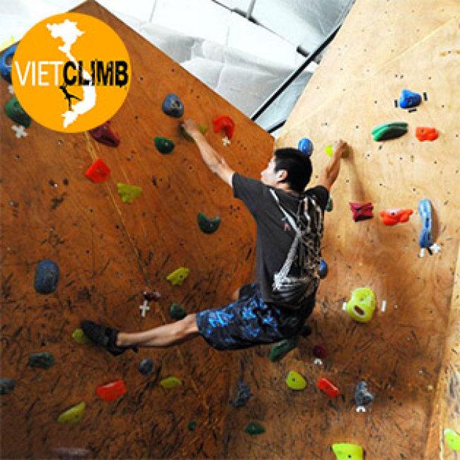 Trải Nghiệm Với Leo Núi Trong Nhà + Phí Thuê Giầy Tại  CLB Vietclimb