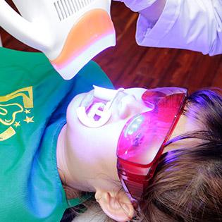 Nha Khoa Tâm - Răng Sứ Titan Cao Cấp Của Mỹ - Bảo Hành Trọn Đời