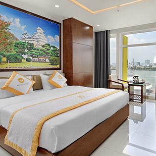 Tận Hưởng Chuyến Du Thuyền Trên Sông Khi Đặt Phòng Deluxe Tại Khách Sạn 3* Merry Đà Nẵng