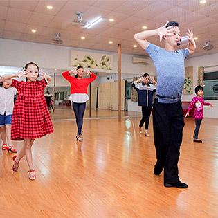 Khóa Học Dance Sport Dành Cho Mọi Lứa Tuổi Tại My Wings Dance