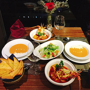 Combo Sang Chảnh Với Tôm Hùm Baby Cho 02 Người Tại Panorama Restaurant & Bar Phố Cổ