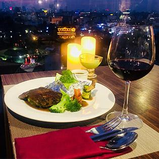 Bữa Tối Sang Trọng Với Set Ăn Đẳng Cấp Tại Panorama Restaurant & Bar Phố Cổ