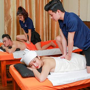 120 Phút - 99k Khuyến Mãi Dịp Tết 2019 - Combo Đặc Biệt Massage Thụy Điển, Tinh Dầu + Thái Đi Đá Nóng + Foot + Xông Hơi Thảo Dược + Tắm Lá Giao Đỏ Tại Massage Khỏe Đẹp