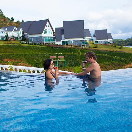 Đà Lạt Wonder Resort 4* - Hồ Bơi Vô Cực, Gồm Bữa Sáng, Xe Đưa Đón