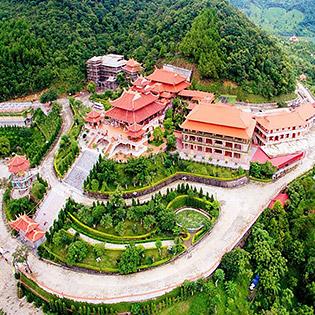 Tour Lễ Hội Tết Đền Cửa Ông - Chùa Cái Bầu - Thiền Viện Trúc Lâm - Chùa Ba Vàng 1 Ngày - Khởi Hành Hàng Ngày Cho 01 Người