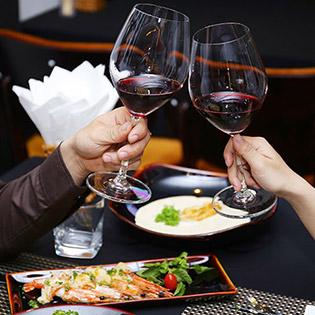 Áp Dụng Lễ - Set Món Âu Đẳng Cấp 5 Sao + Rượu Vang Tại December Restaurant & Winehouse