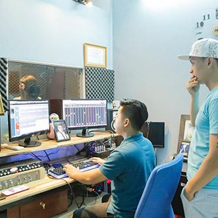 Gói Dịch Vụ Thu Âm Chuyên Nghiệp Trọn Gói 01 Bài Hát Đơn Ca Bao Gồm: Thu Âm,Mix, Master Tại Duy Studio