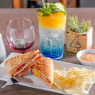 Giải Nhiệt Mùa Hè: Combo Bánh Focaccia + Thức Uống Hấp Dẫn Tại Café Vườn
